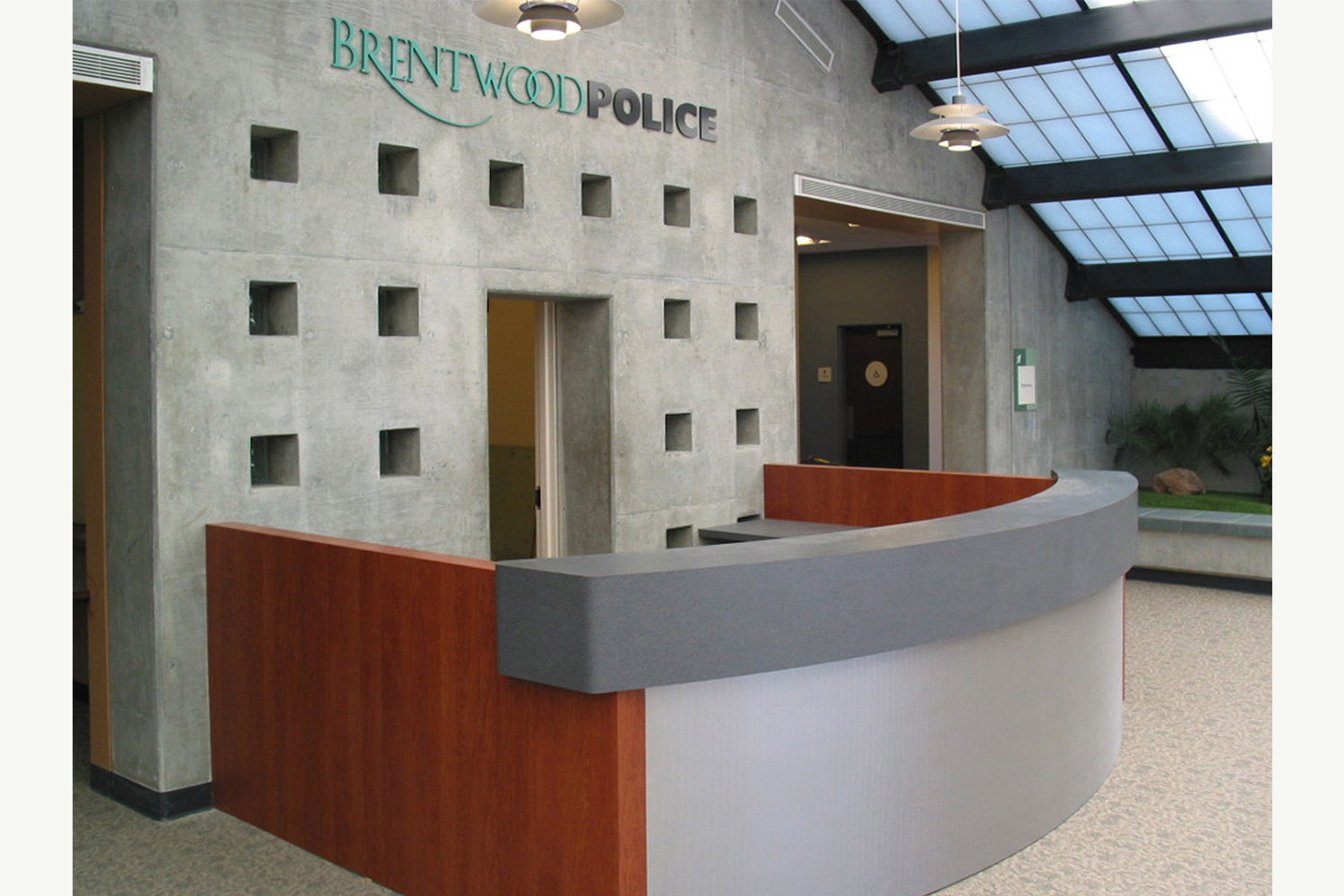 Projects_1500_Brentwood-Police_04.jpg