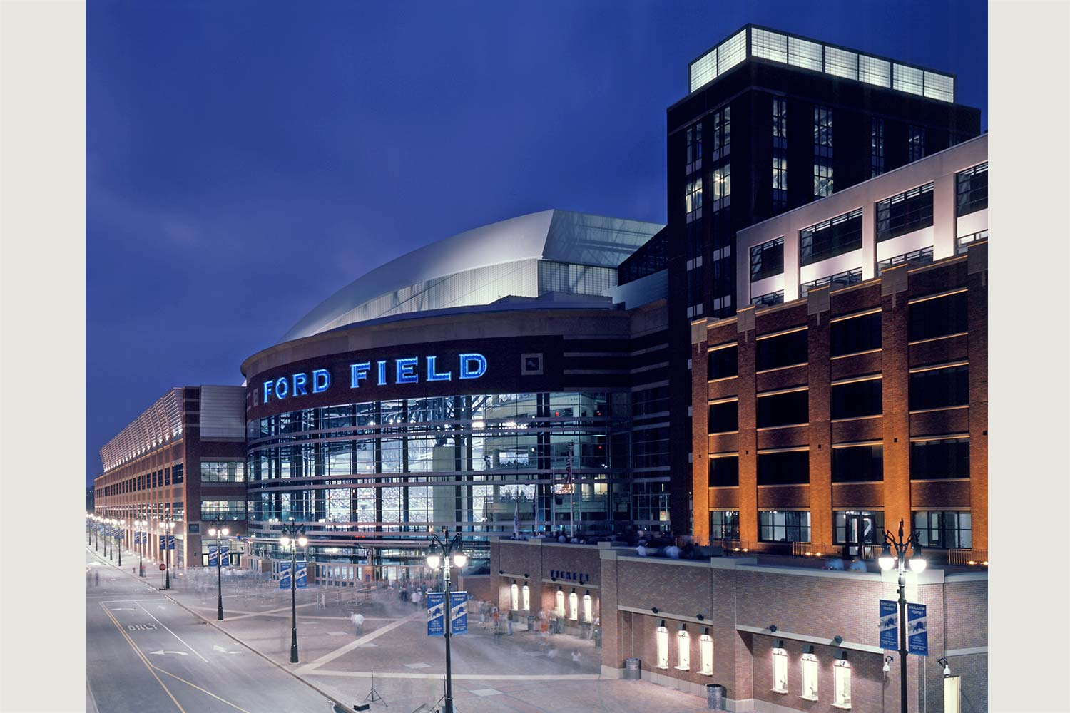 Projects_1500_Ford-Field_05.jpg