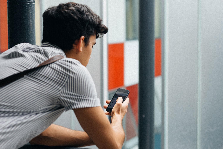 Plataforma de comunicación y notificación    Disponible para iPhone y Android