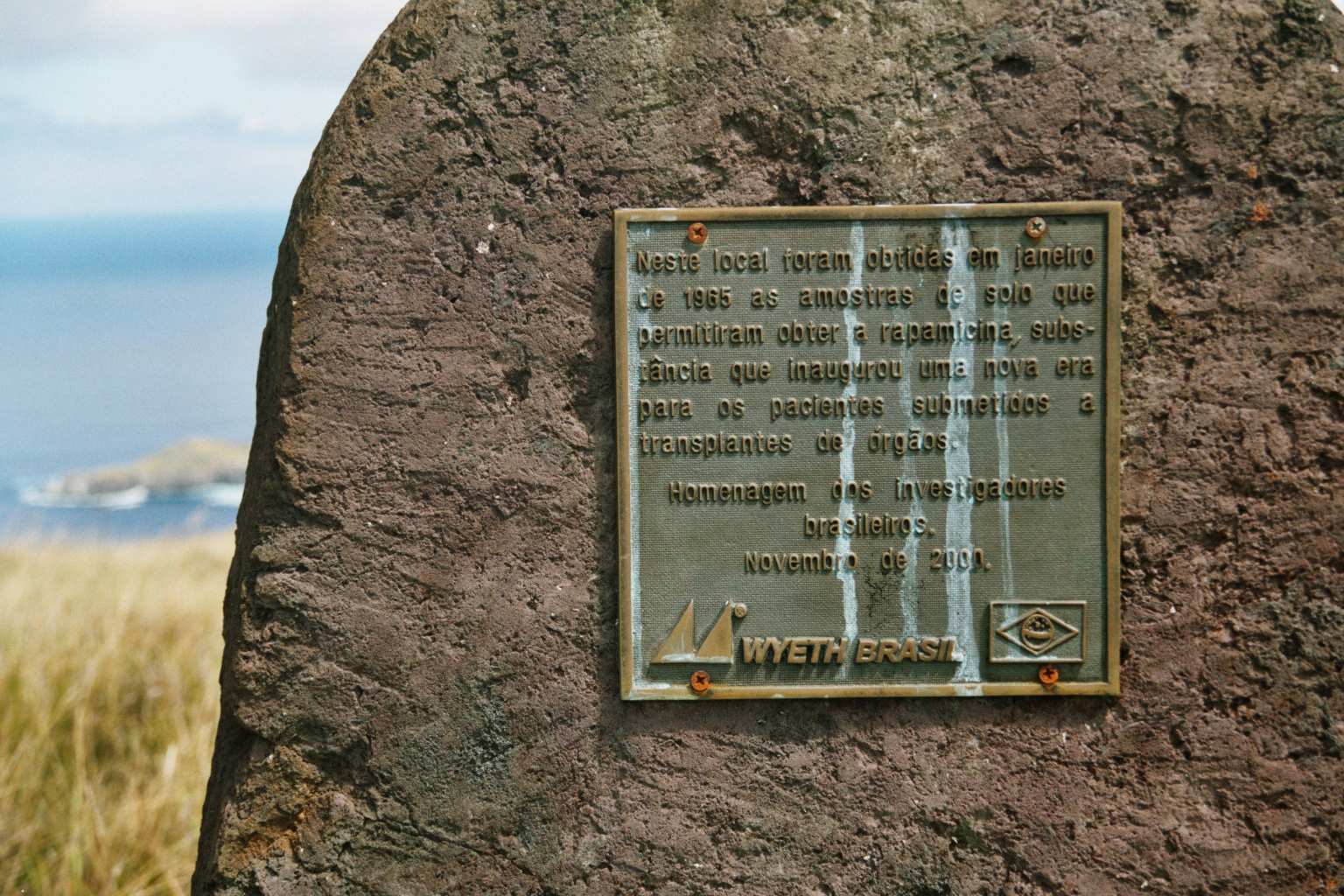 A plaque commemorating the discovery of Rapamycin on Easter Island
