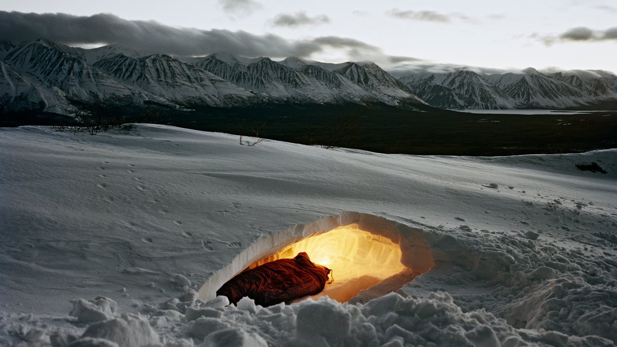 snow-shelter-night_h.jpg