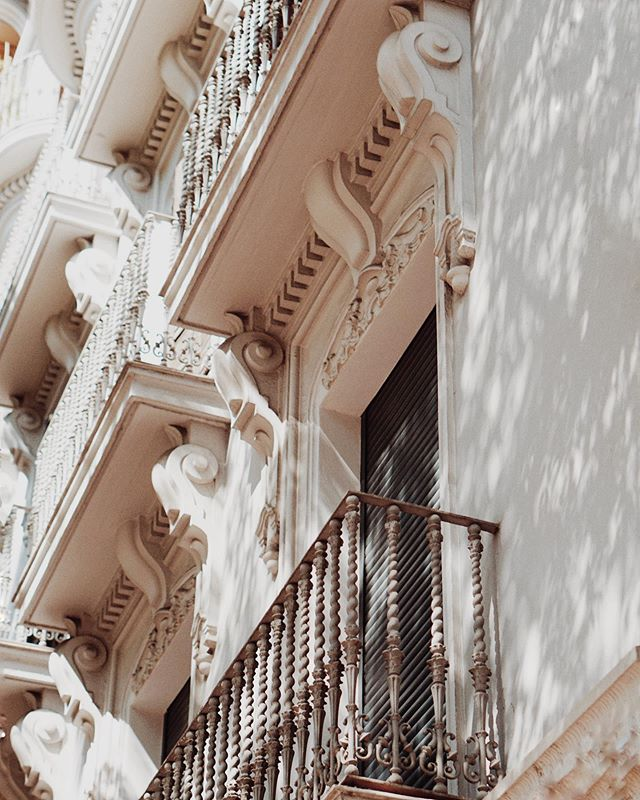 OH VALENCIA you are absolutely beautiful! ✳︎ ⌓ ༓ (swipe)