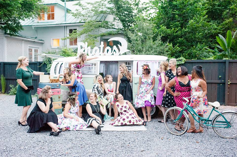 Photo courtesy of  Ashton Kelley Photography  and adorable photo booth bus from  Lil Photo Bus