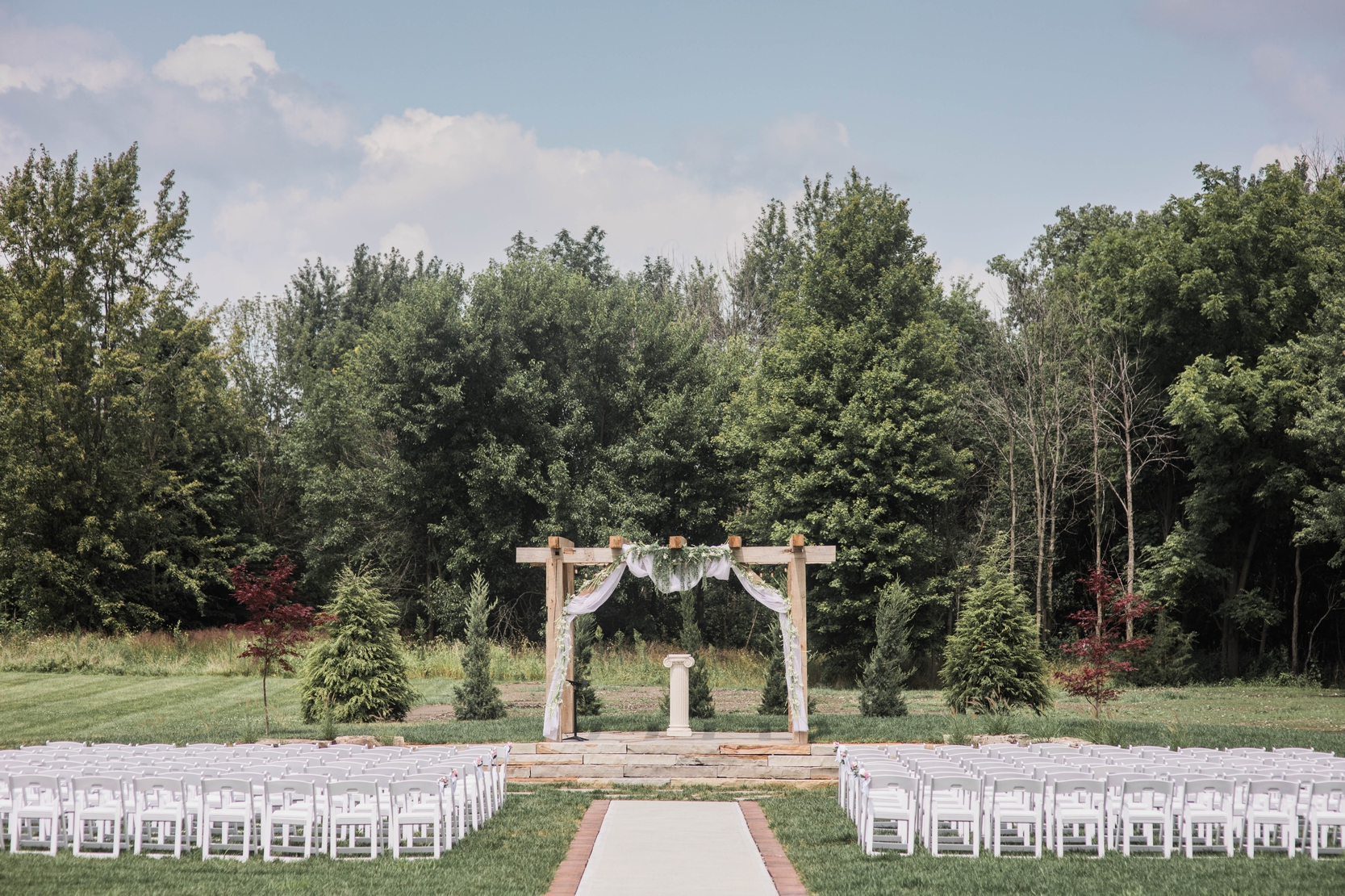 ceremony outdoor wedding alter indiana midwest crystal coop