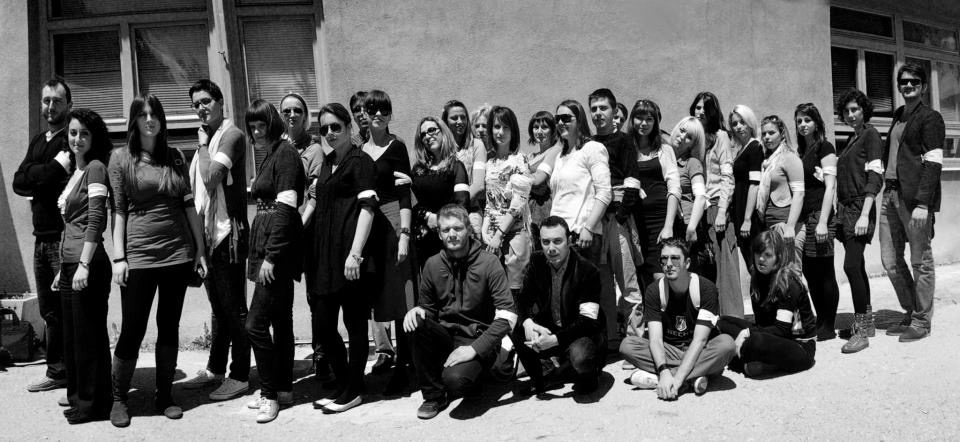 ERM class photo with white armbands, Sarajevo, 2012. Photo credit: ERMA, R. Vrgova