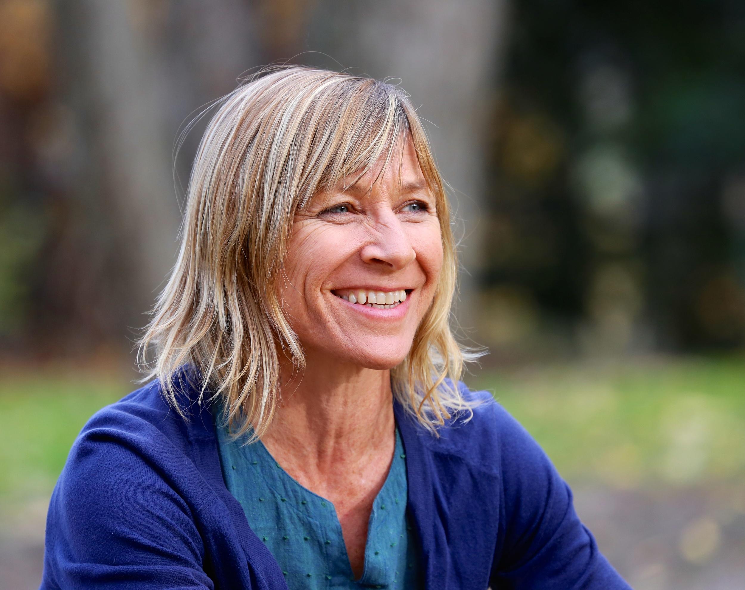 Carolyn Christie 1.jpg