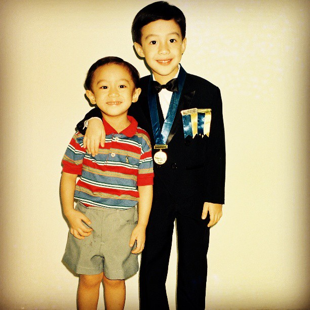 Young Paolo and his brother. Photo courtesy: Paolo Española's Facebook page.