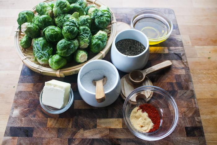 The ingredients: brussel sprouts, olive oil, butter,  gochugaru , garlic powder, salt and pepper.