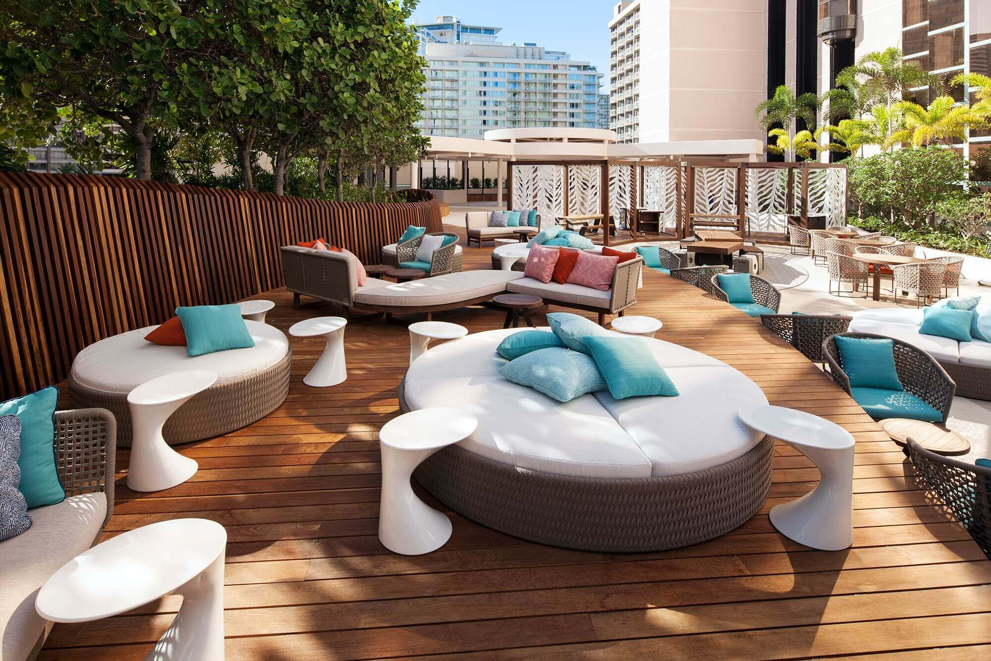 Gallery_Pool-Lounge2.jpg