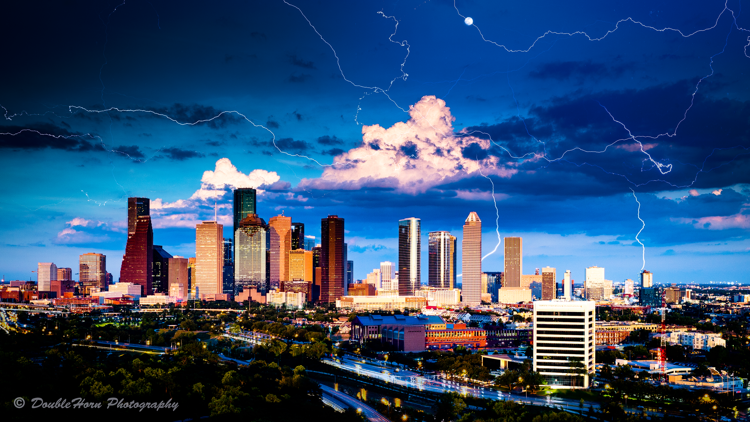 Moon-Lightning-Downtown.png
