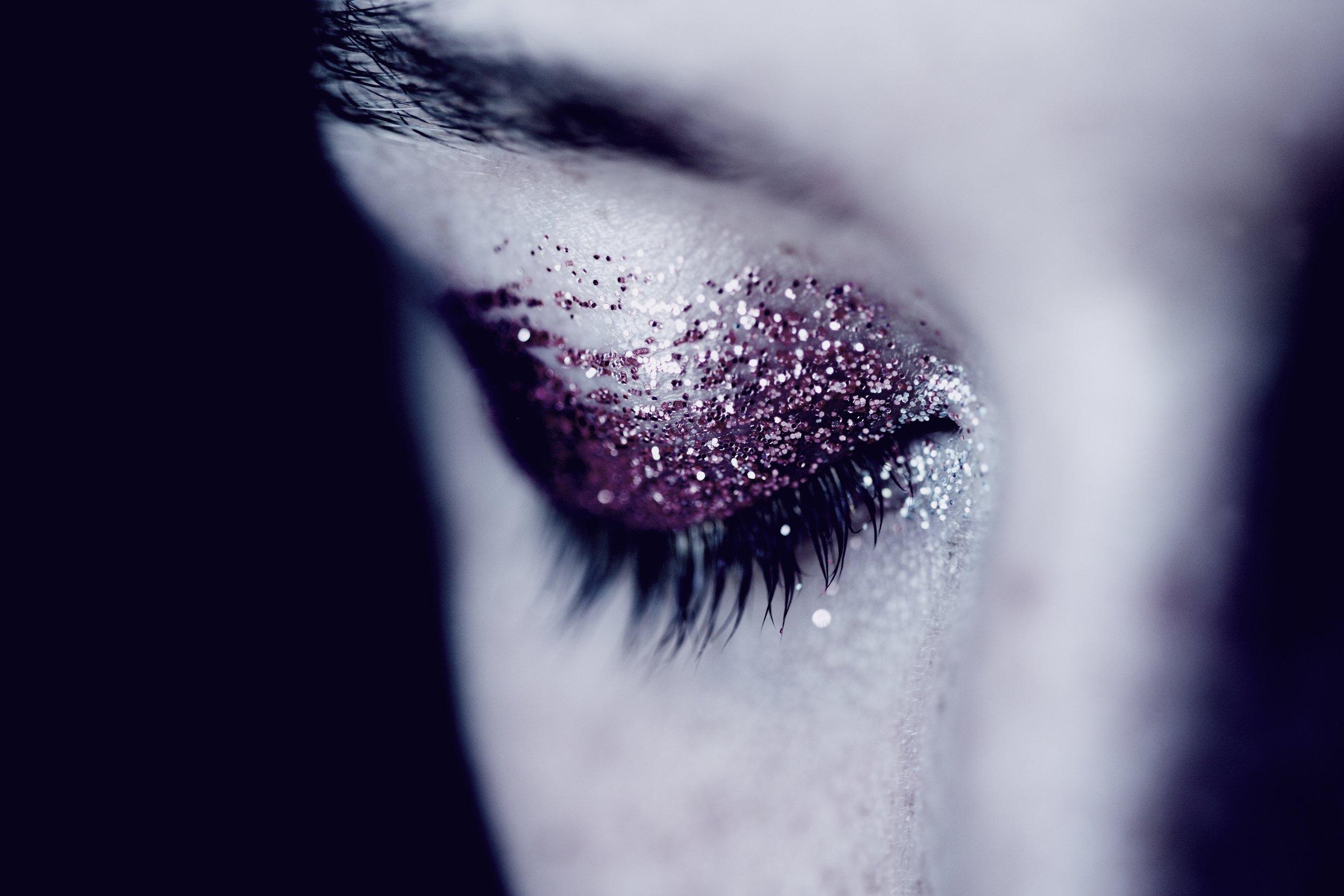 glitter eye.jpg