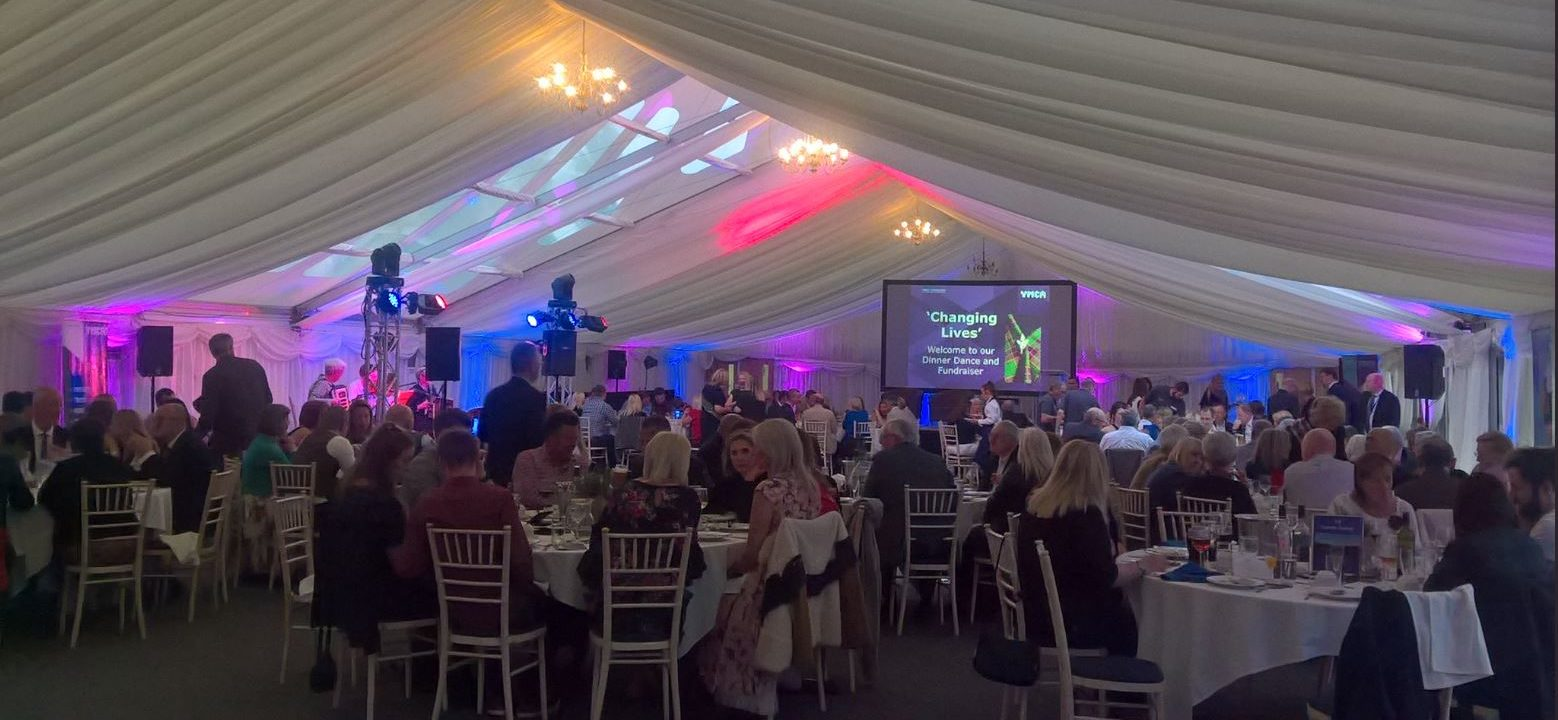 On_helps_Derbyshire_YMCA_at_charity_fundraiser_1-e1526474279841.jpg