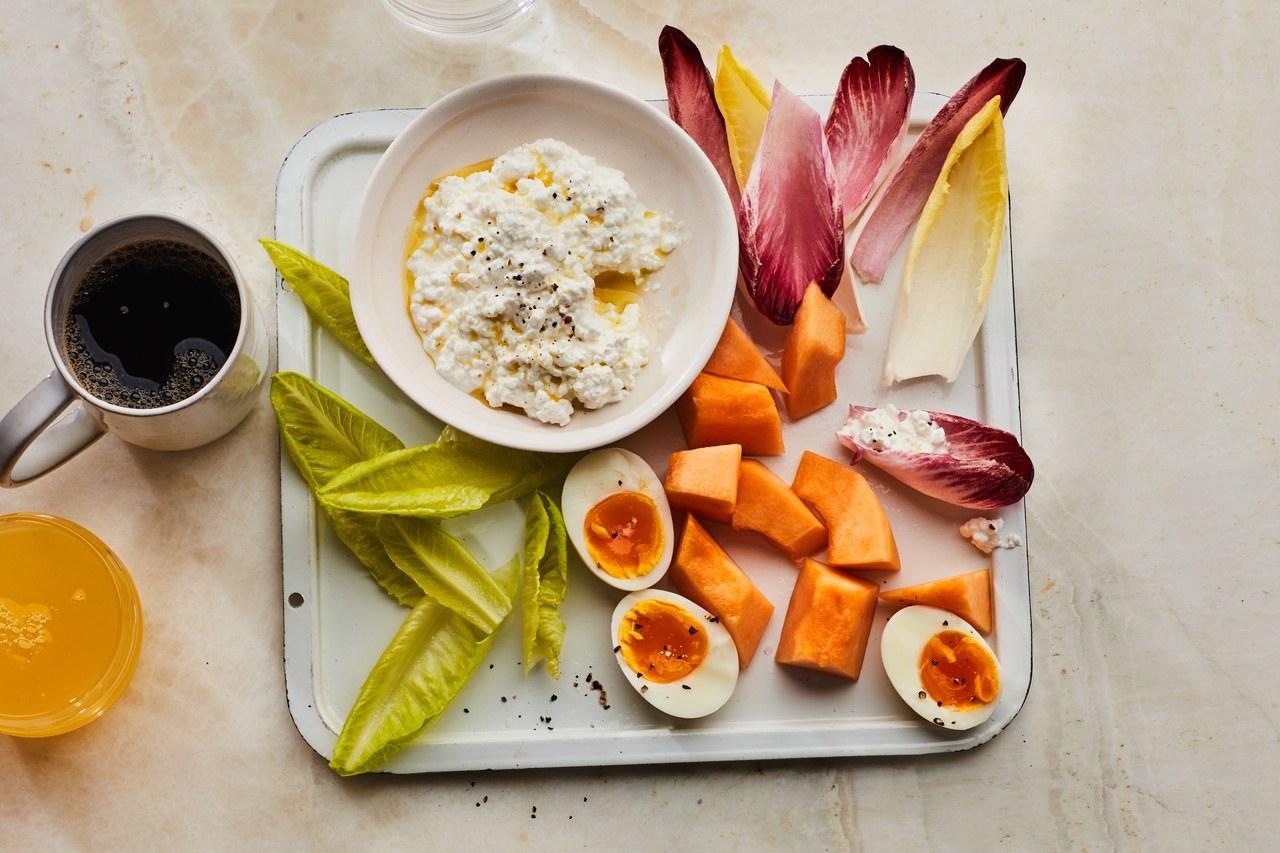 Breakfast-Snack-Trays-melon-cottage-cheese-eggs-17102018.jpg