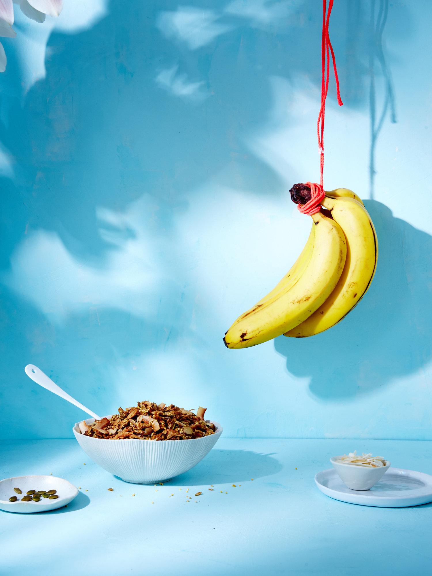 DarlingMagazine_BananaCoconutSeedGranola_141.jpg