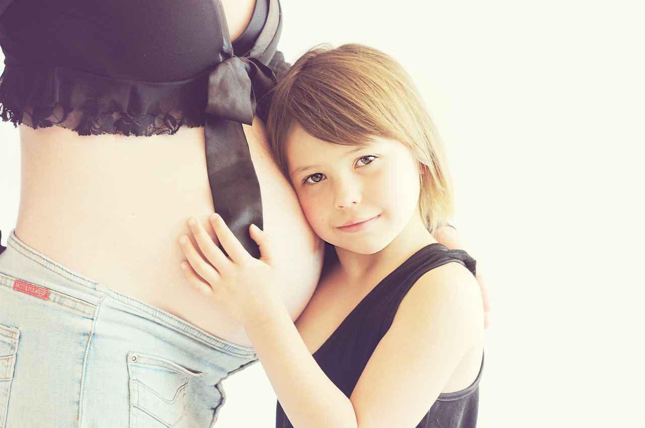 pregnant-775036_1280.jpg