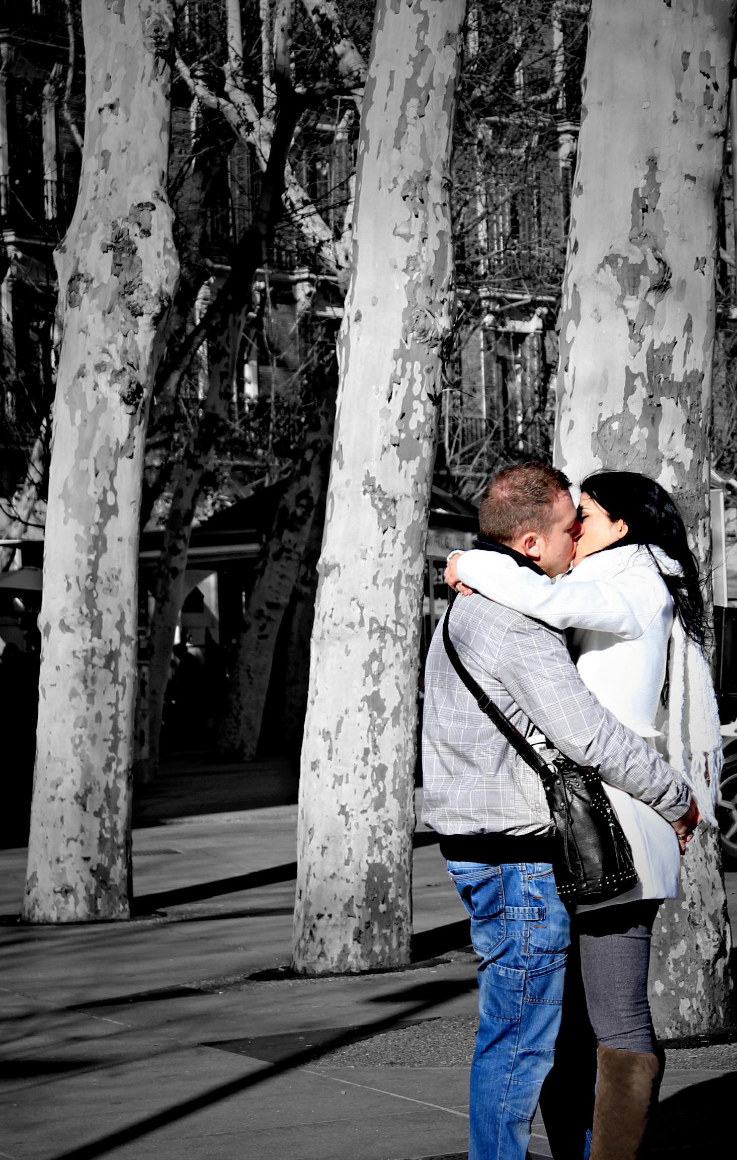 kissspain.jpg