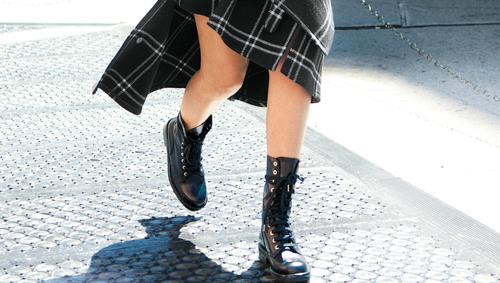 combat-boots-for-fall.jpg