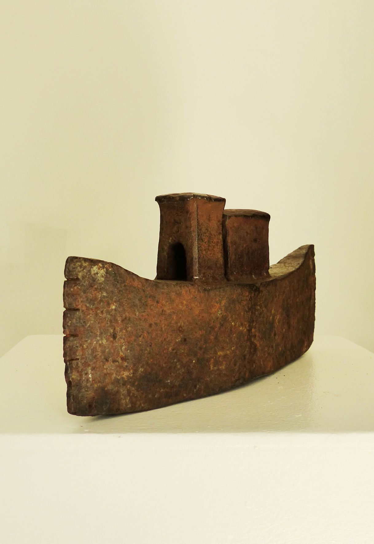 Boot   boat  2013  Stahlschrott, geschweißt   scrapmetal, welded  10x23x5 cm  verkauft   sold