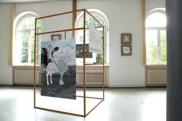 Kelly M. O'Brien, installation view,  Object (Im)permanence  floor frames. ©2017 Image: Anna Meuer