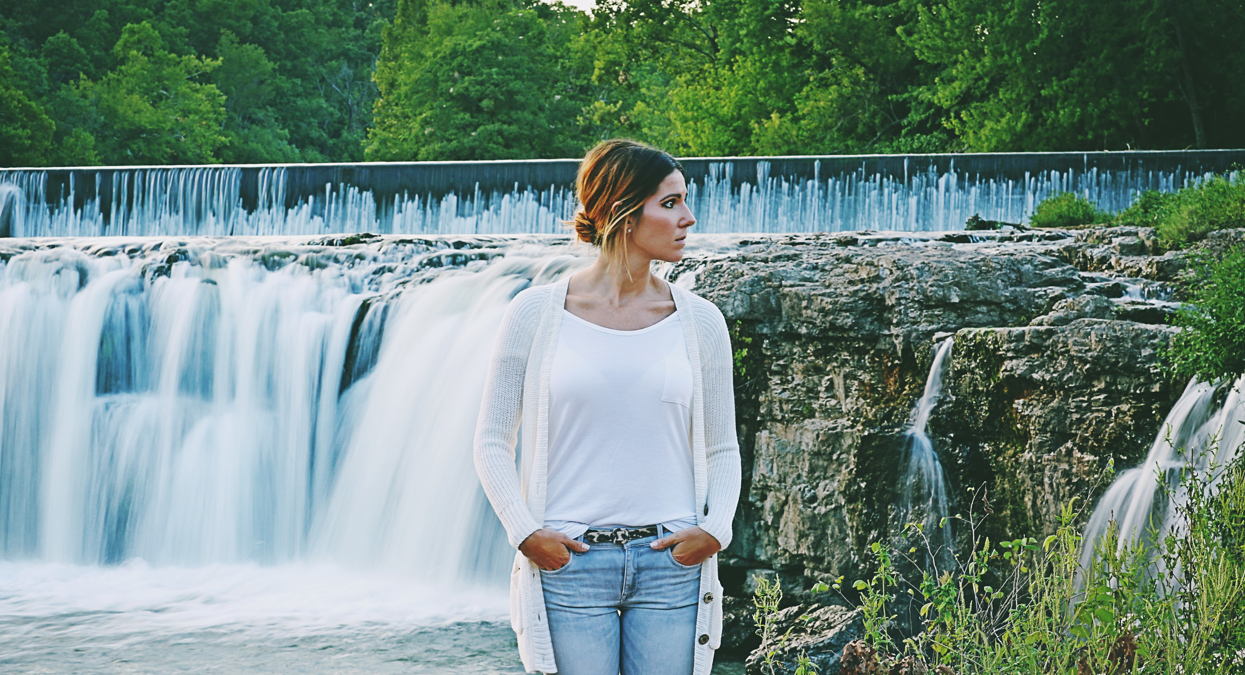 I'm so very proud of this girl! We were out at the falls the other night for a photo shoot and while we were waiting on a customer she wanted me to take a couple shots of her for her new fashion blog. A guy couldn't ask for a better girlfriend and assistant!