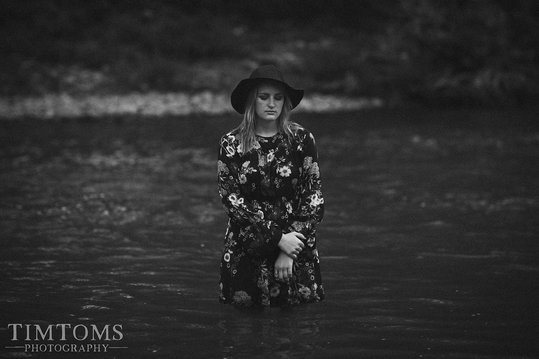 Senior Portrait Photographer Joplin Missouri grand falls in the water floral