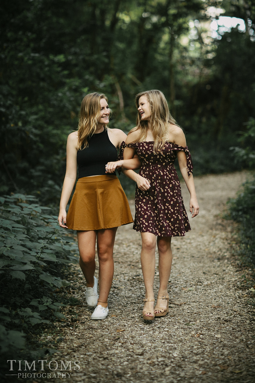 Senior Portrait Photographer Joplin Missouri wildcat glades trail sisters