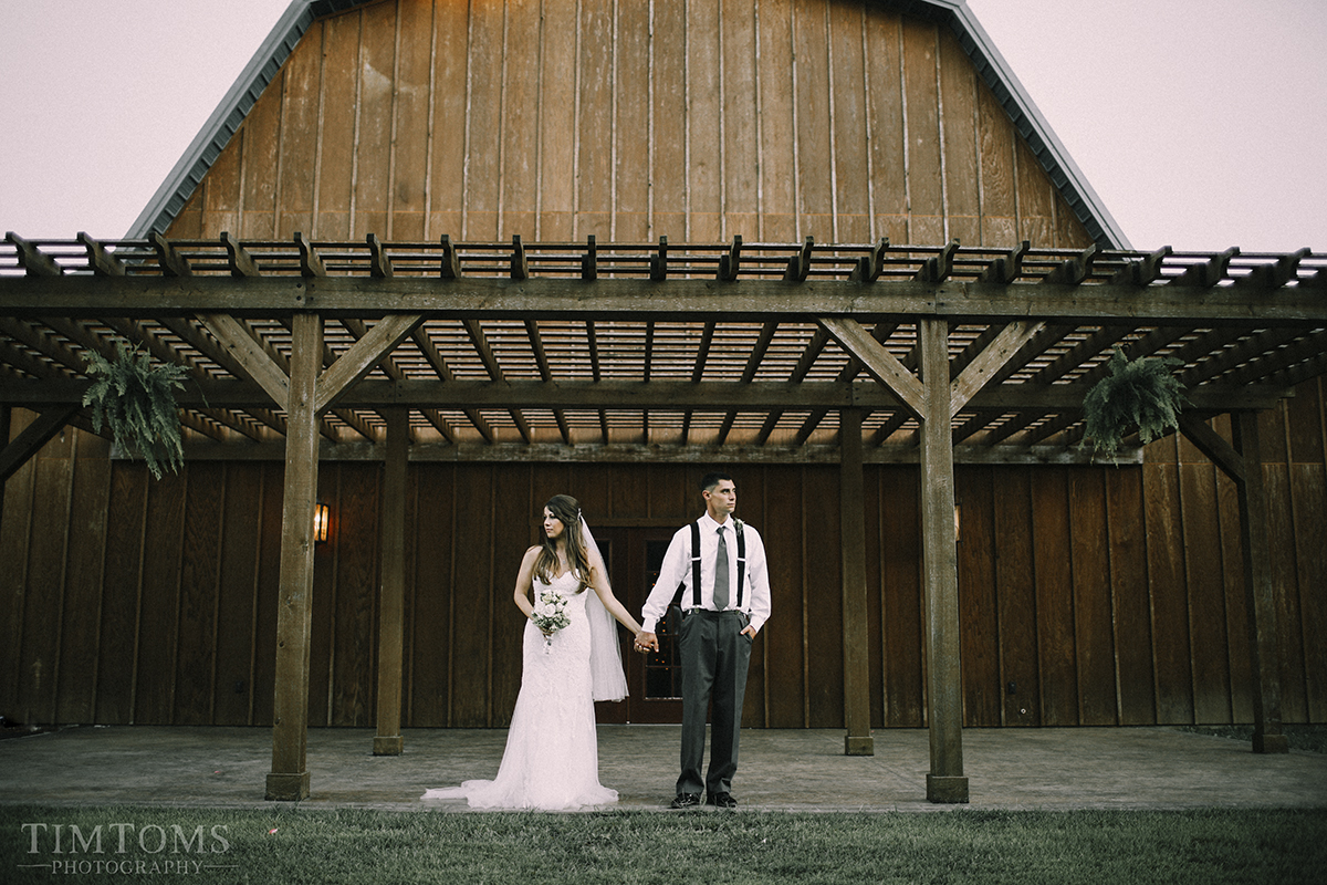 pittsburg kansas barn wedding photographer