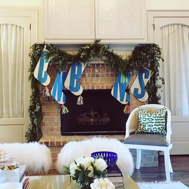 Another magical mantle featuring Red Llama Studio stockings! Your home is beautiful.Thank you for sharing your picture @mistysarg806 ! Merry Christmas!🎅🏻🌲🎅🏻🌲🎅🏻🌲
