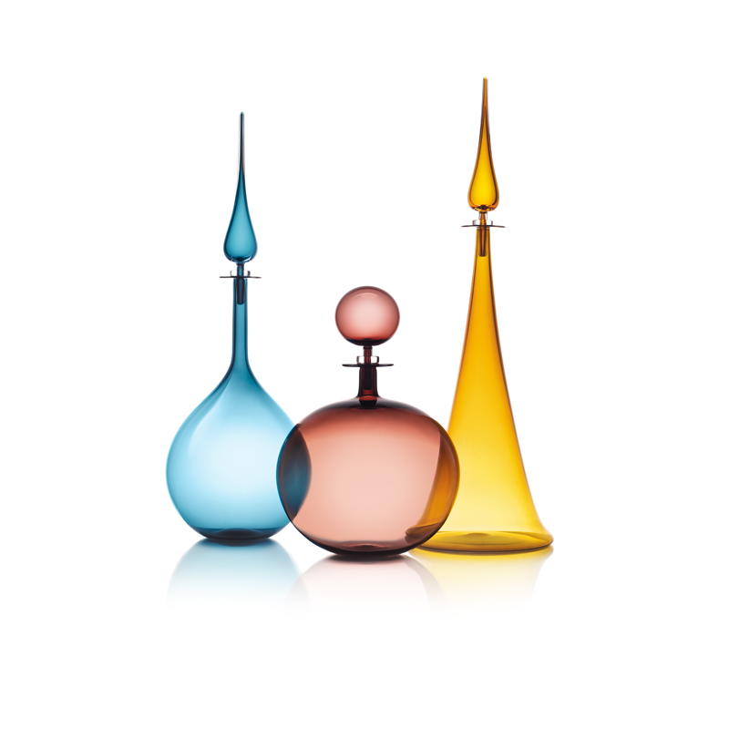 LARGE DECANTER TRIO: LARGE DECANTER TEAR DROP IN STEEL BLUE, LOW ROUND IN PLUM, FLUTED CONE IN AMBER