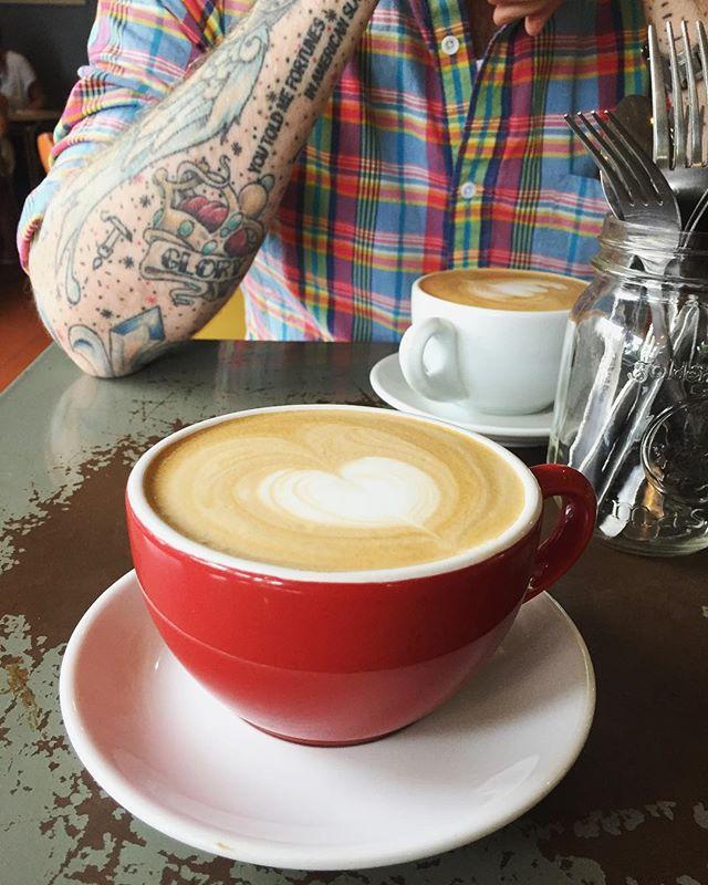 Montréal morning latte ��