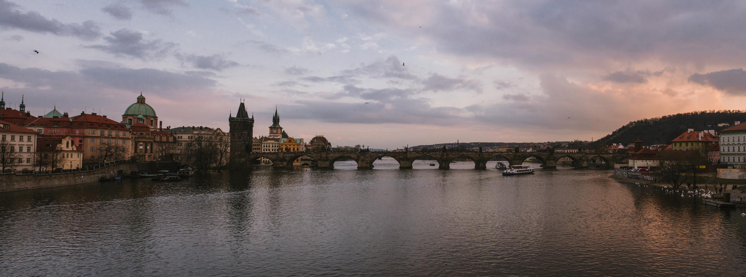 Prague_pano.jpg