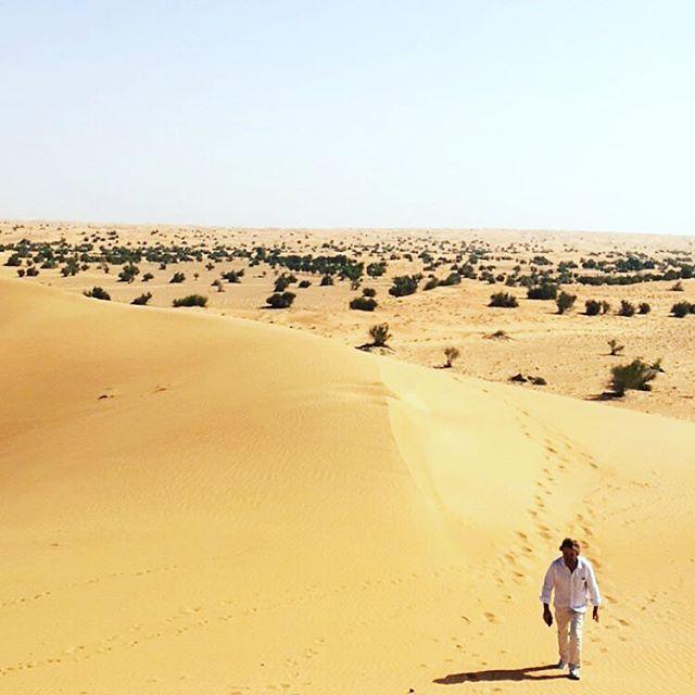 Desert lord or castaway? #onlocation #dubai #desertdawg #troywayne #ltwoproductions