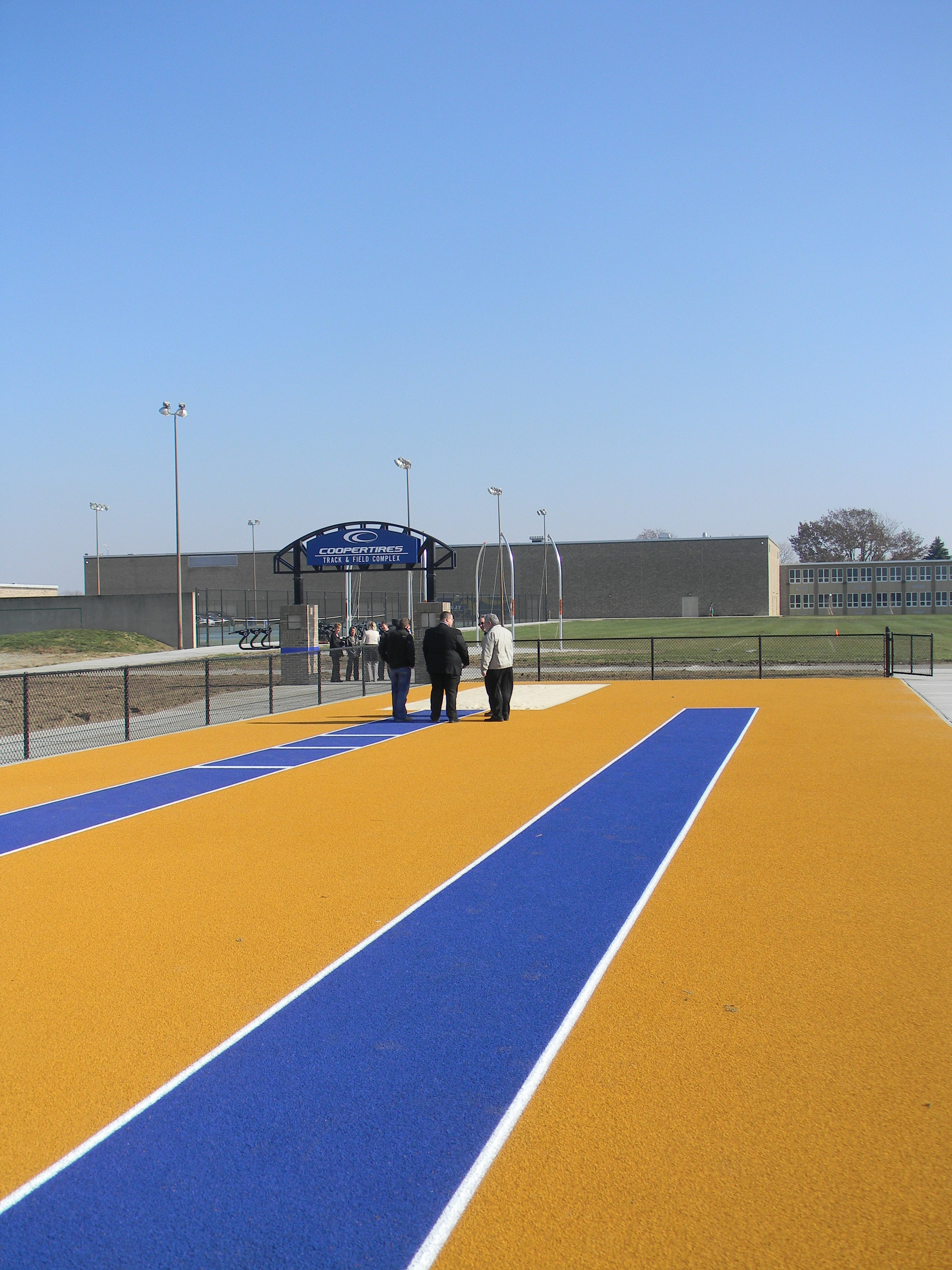 www.rcmarchitects.com - findlay city schools - coopertires track field complex (4)