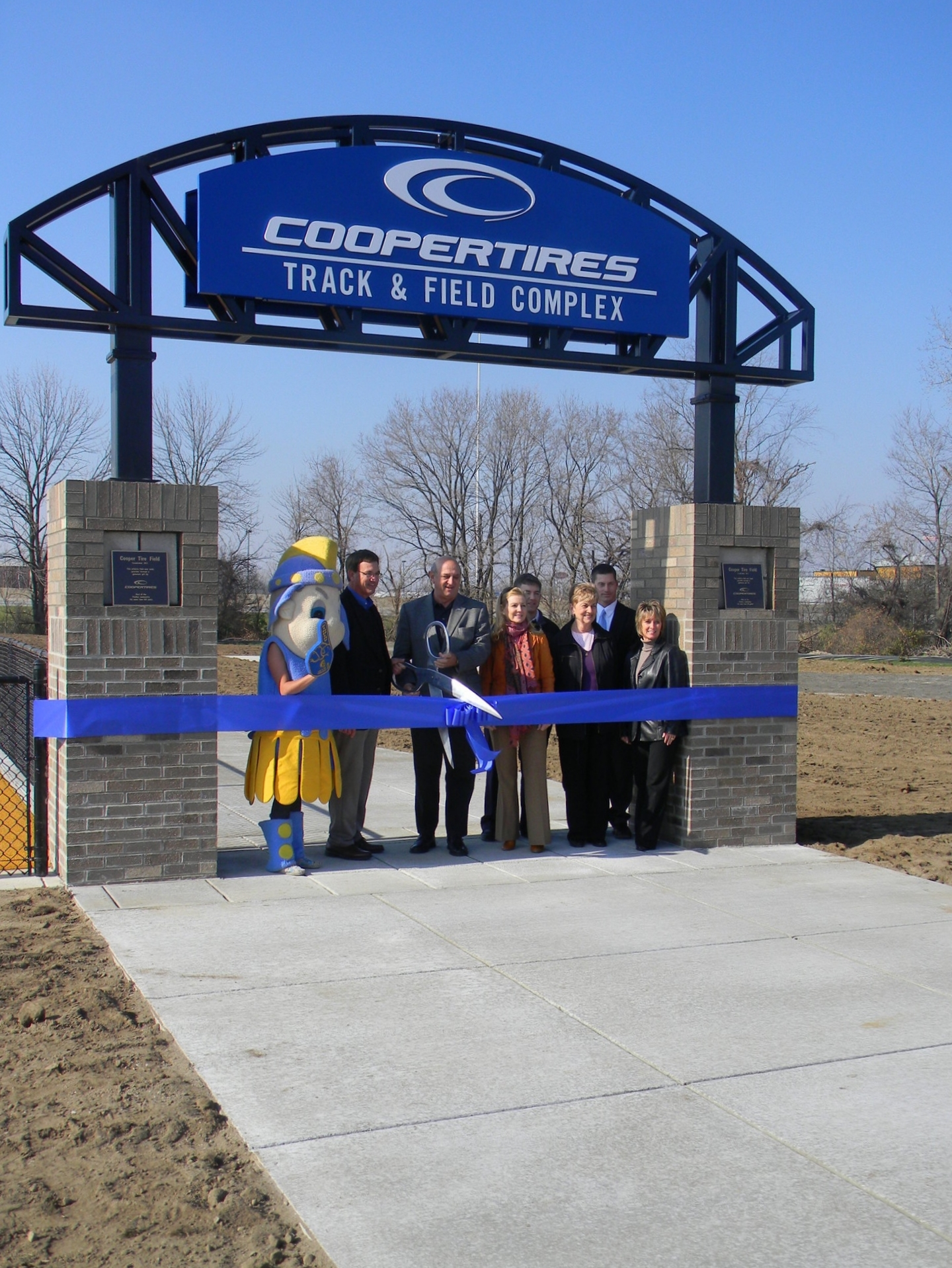 www.rcmarchitects.com - findlay city schools - coopertires track field complex (1)