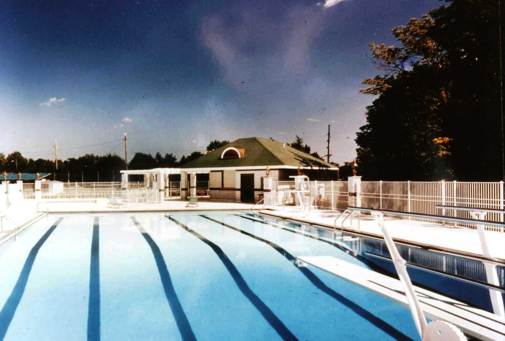 1989 Findlay Country Club Pool.jpg