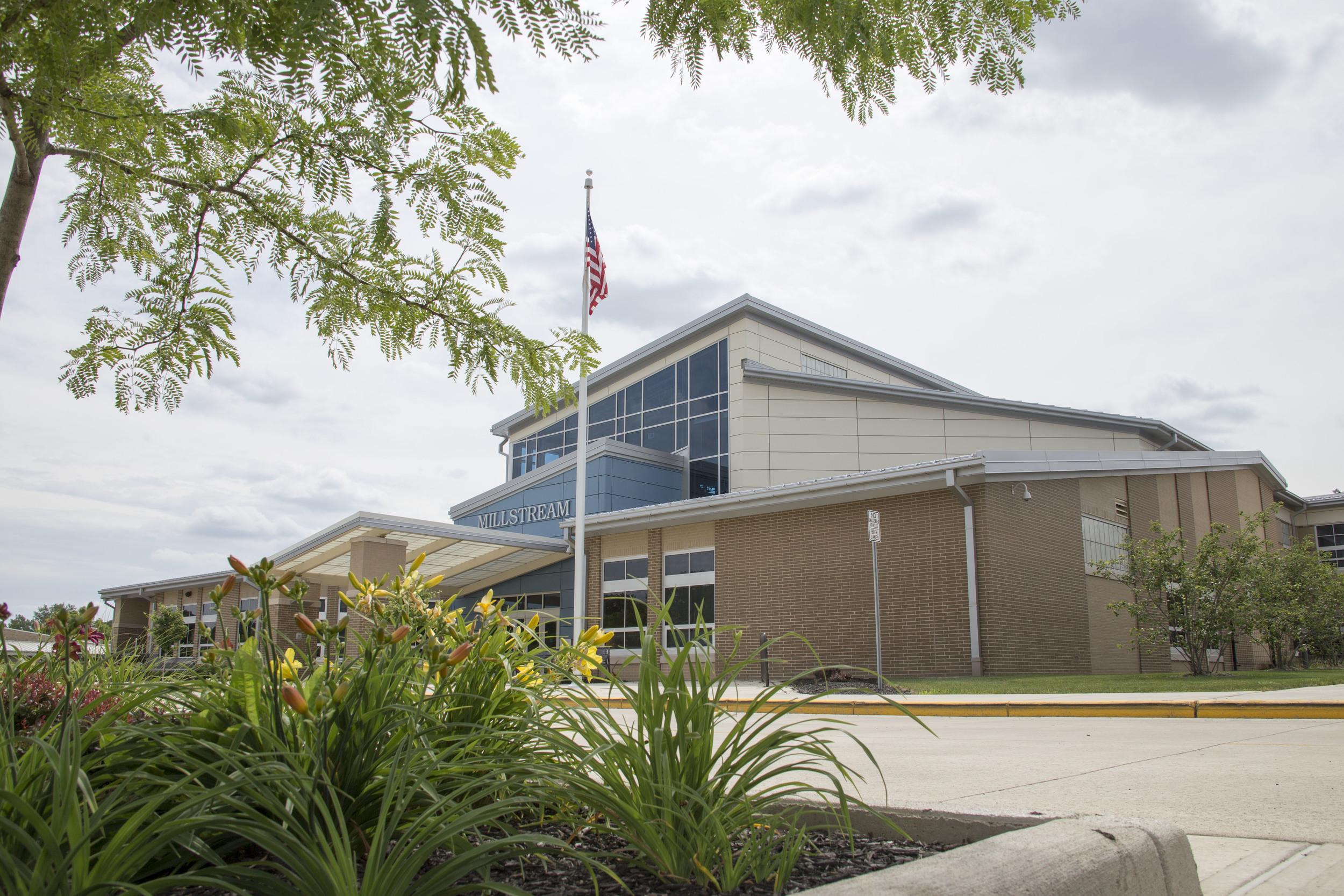 www.rcmarchitects.com - findlay city schools: millstream career center (2)
