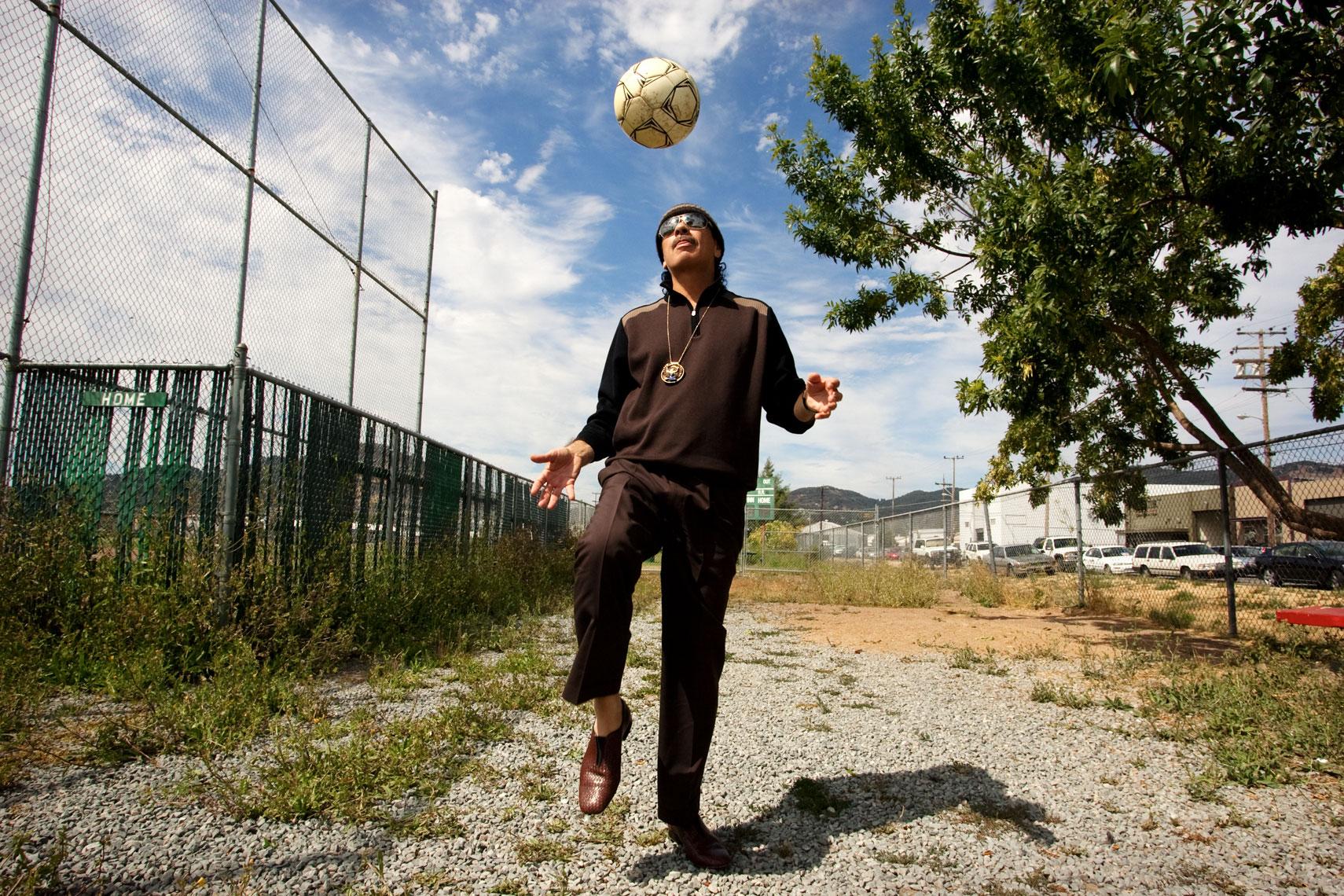CarlosSantanaLZ1T8285.jpg