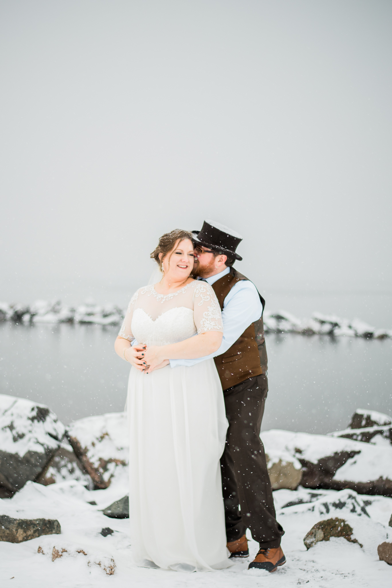 lake superior wedding in the winter
