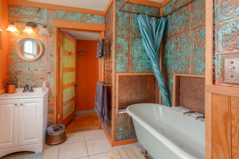 Forest room bath.jpg