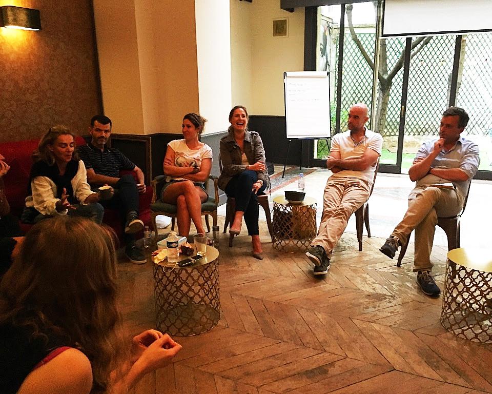 Brainstorming au 16B : la communauté réfléchit ensemble à la problématique business d'un coworker. La communauté en action !