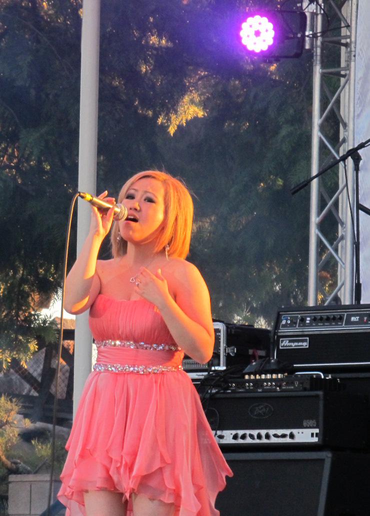 Julie Fang performing at HMF 2012. Photo Credit: Pagnia XIong