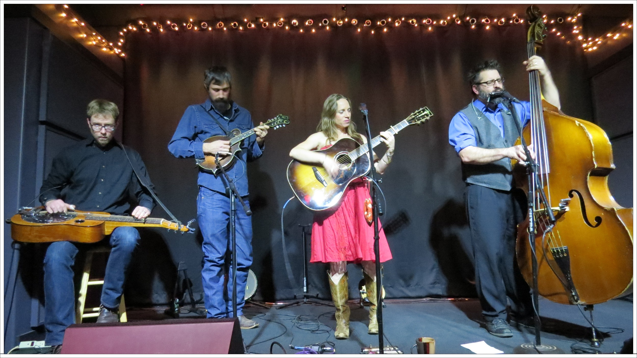 Aaron Ballance, Jed Willis, Anya Hinkle and Stig Stiglets play at Moonlight Mile 1-17-16. Photo: Tom Watts