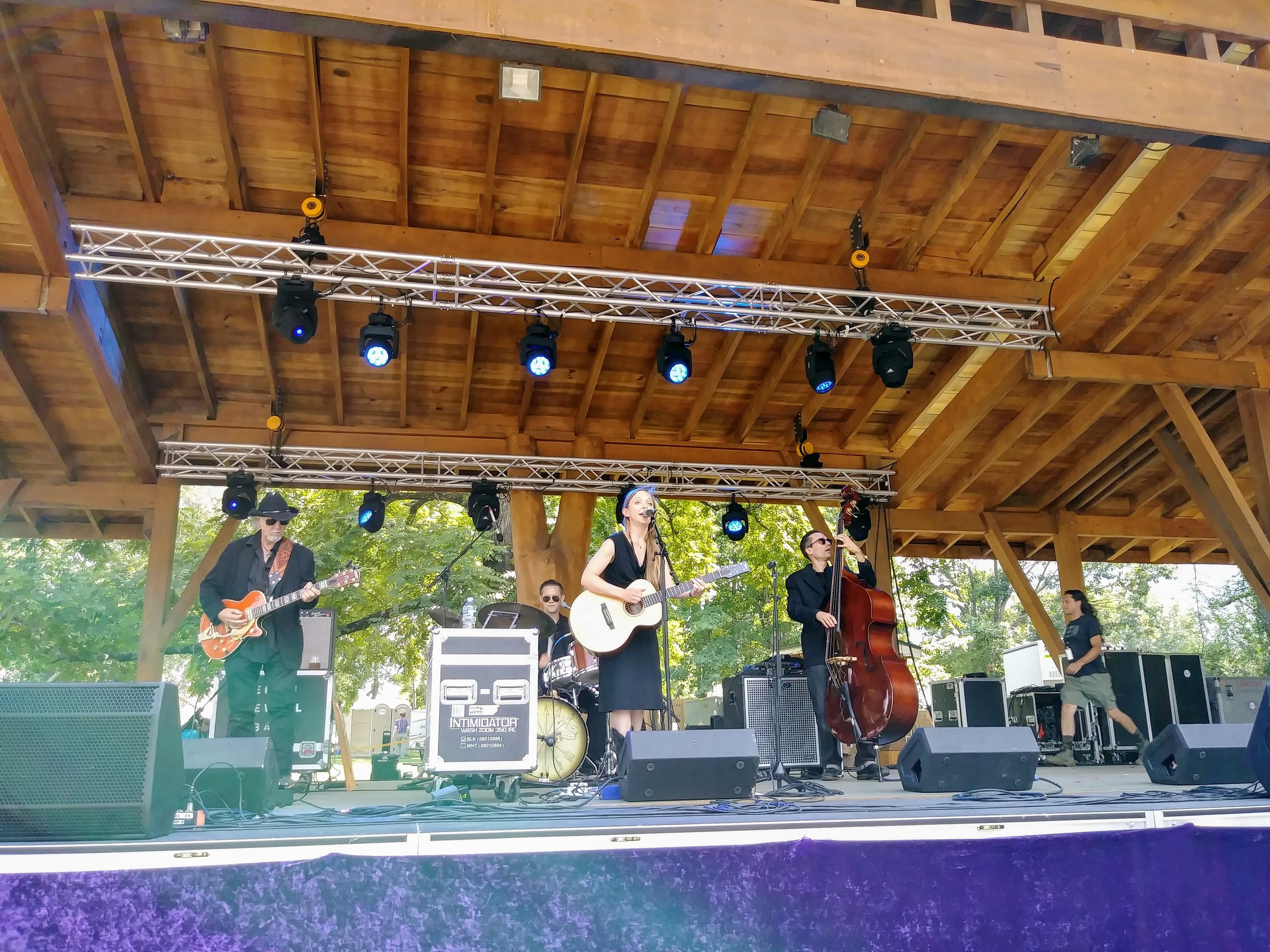 Eilen Jewell at Jam In The Trees 2017