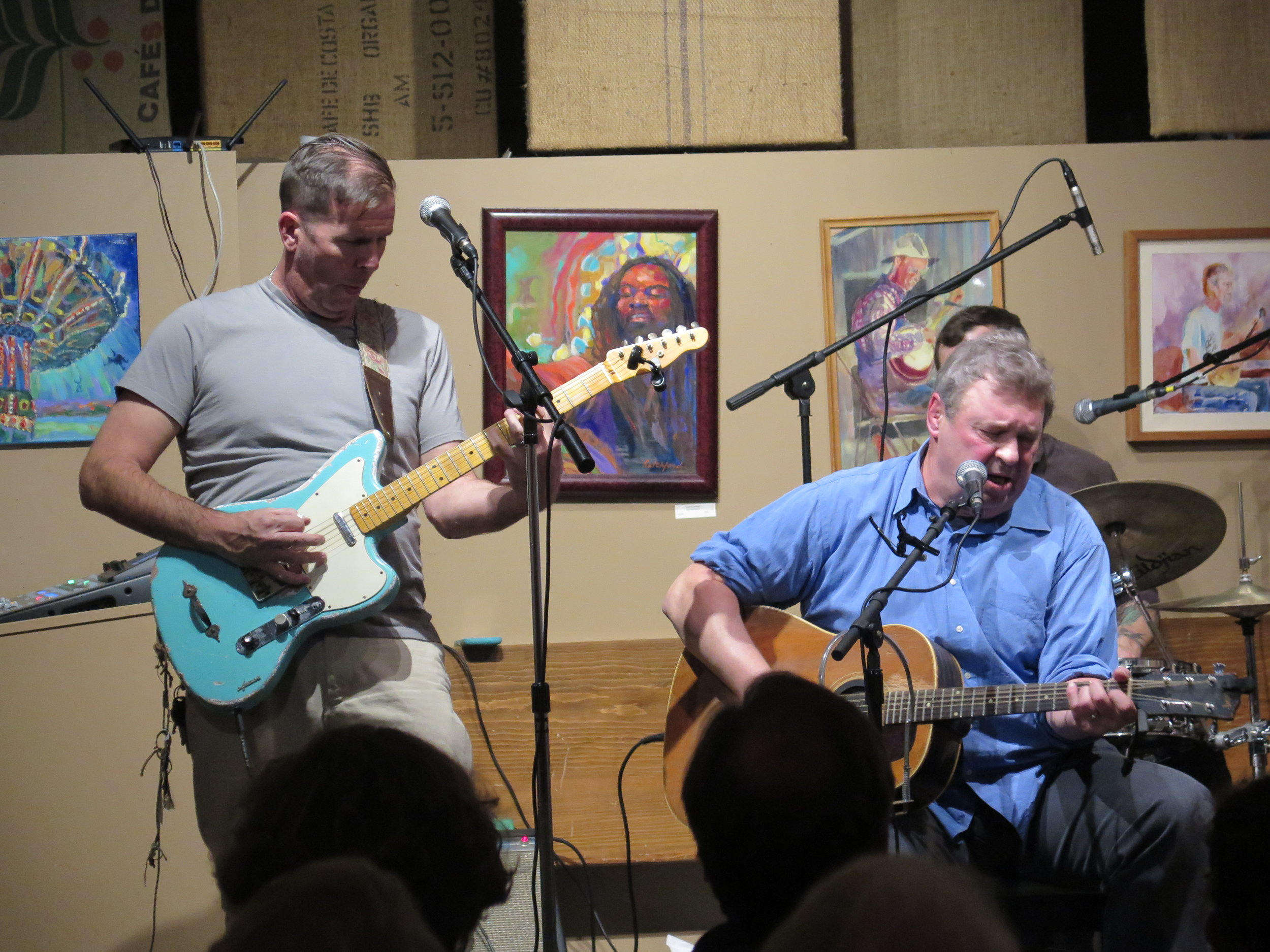 (L to R) Dale Shoemaker and David Childers in concert