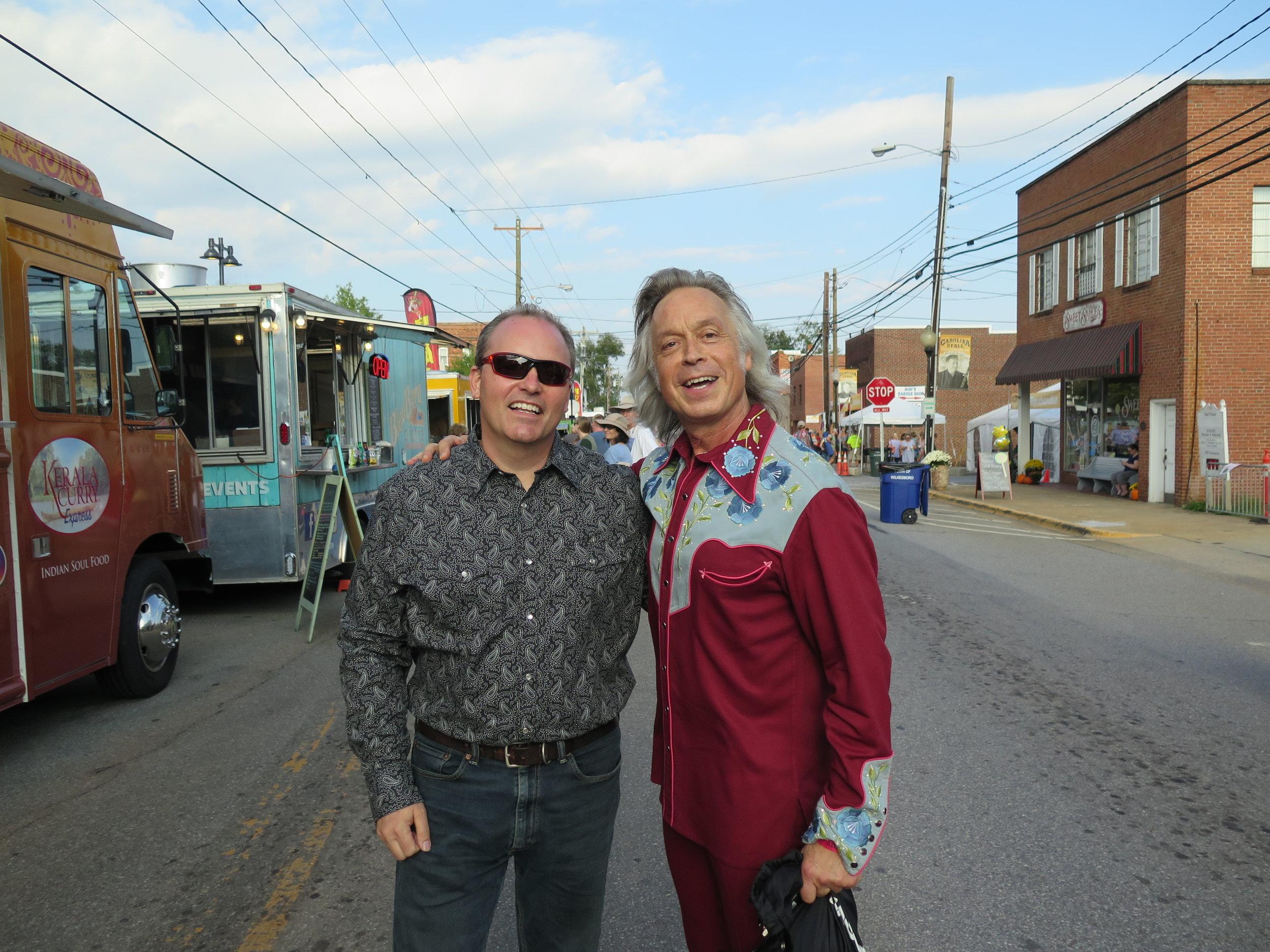 Joe with Jim Lauderdale.JPG