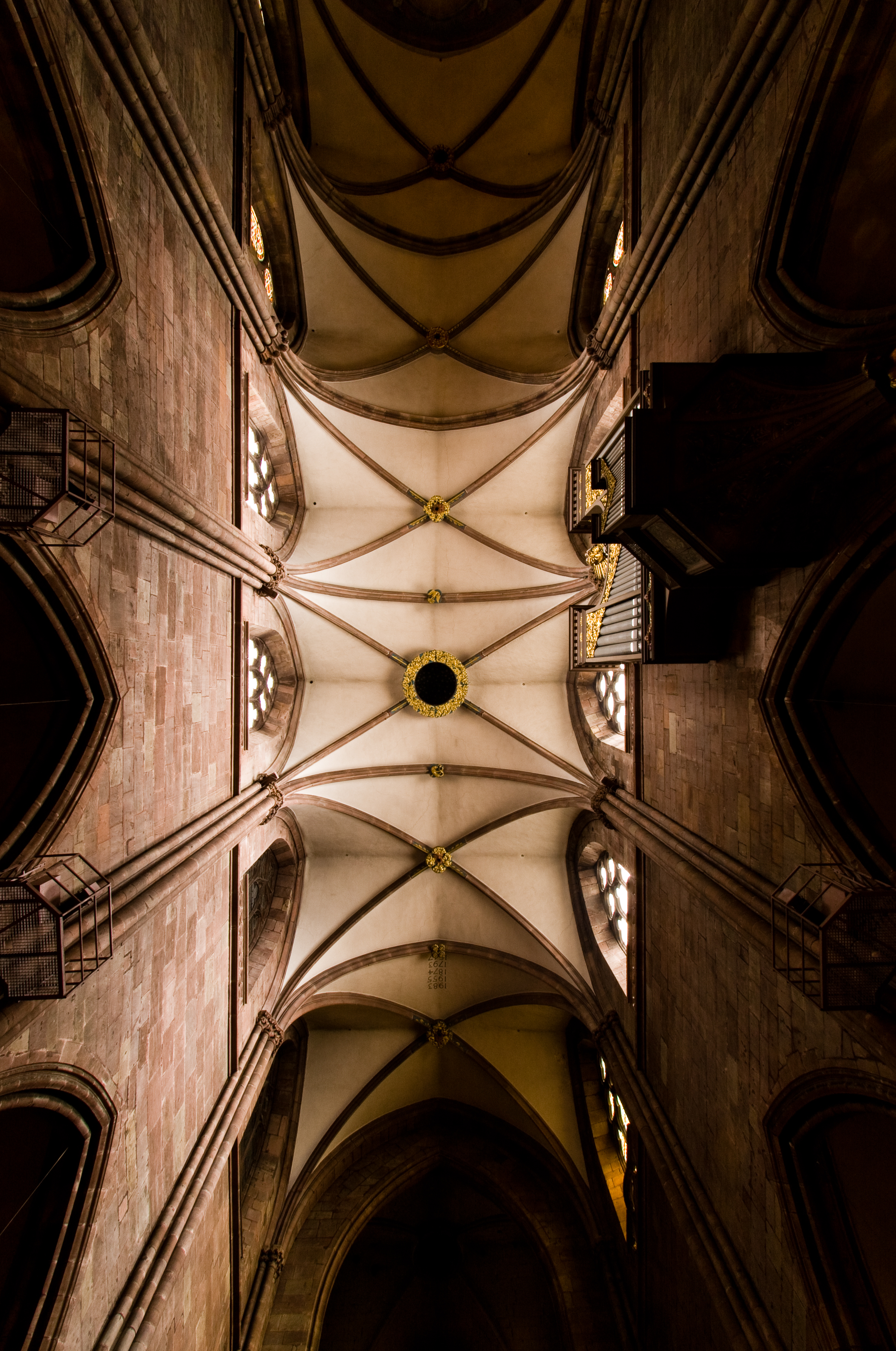 〖 cathedral ceiling 〗