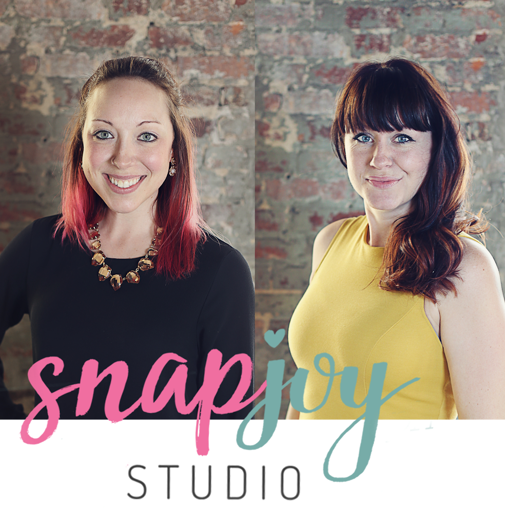 SNAP JOY STUDIO is a photography and videography rental studio located in Grandville, MI. Complete with everything you need to complete your photoshoot besides your camera and clients.
