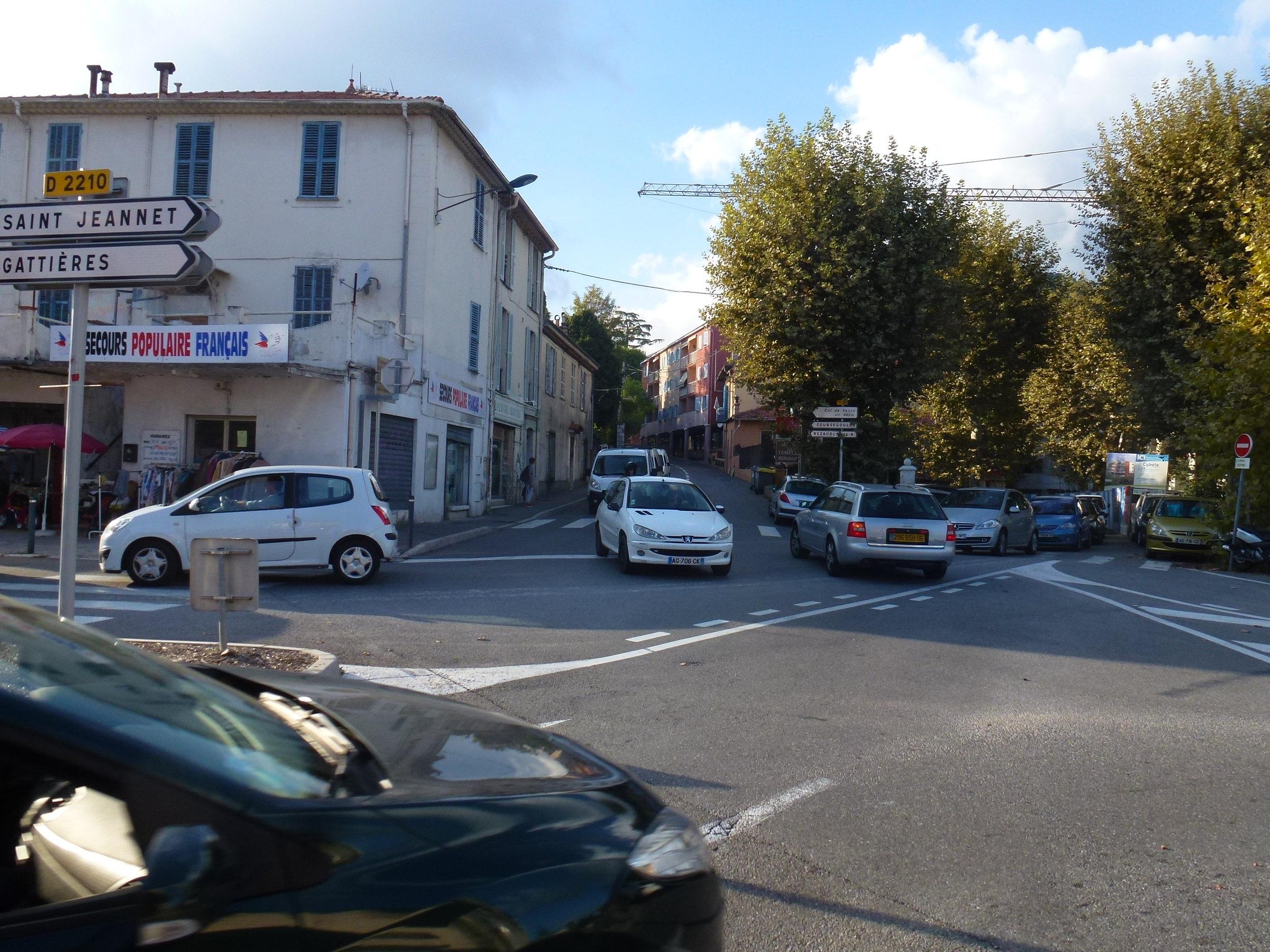 5) Croisement... - This crossing...