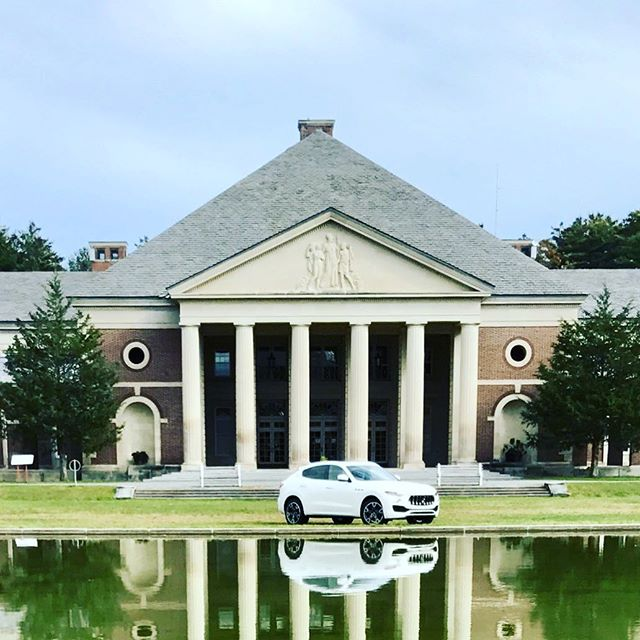 Gorgeous day, gorgeous park, gorgeous @maserati ! Perfect timing for a photo shoot for the @saratogaliving holiday issue, on stands in November !