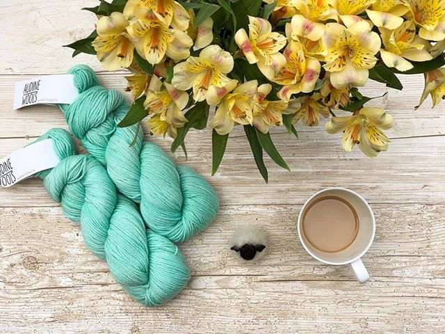 Spring has sprung!⠀ And @knitcrate has arrived! ... #unravelyourknitcrate #knitcrate #yarn #knitting #knit #knitstagram #knittersofinstagram #knittersoftheworld #knittingaddict #knittersofig #instaknit #igknitters #knitlife #strikking #strikke #handmade #craft #knittingismylovelanguage